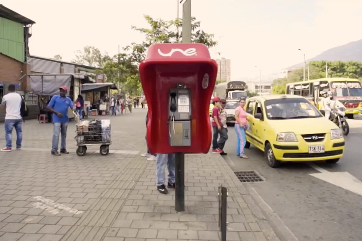 TigoUne_PayphoneBank17